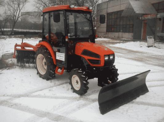 Разновидности тракторов для уборки снега