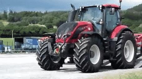 Самым быстрым трактором в мире считается Валтра Т-234